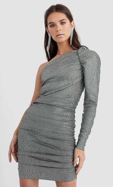 Robe courte paillettes STRADIVARIUS 39,99€